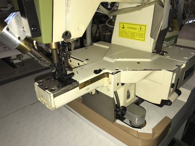 Tutte le macchine da cucire rimoldi f93 66 3ld 06 for Macchine da cucire piccole